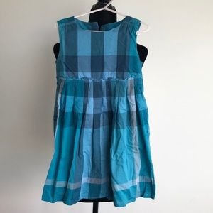 Burberry sleeveless dress w plaid print. Size 6yrs